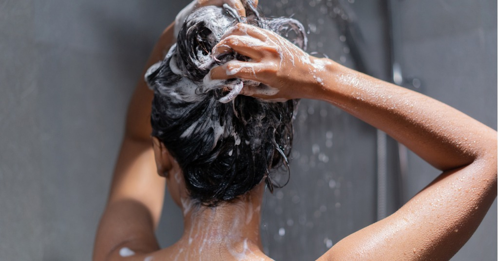 4 Chemicals In Shampoo That Cause Hair Loss
